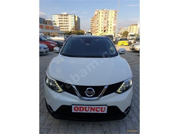 EMEKLİ 'DEN 2014 Nissan Qashqai 1.6 dCi FULL PAKET 1 PARÇA BOYALI SAHİBİNDEN ACİL SATILIK
