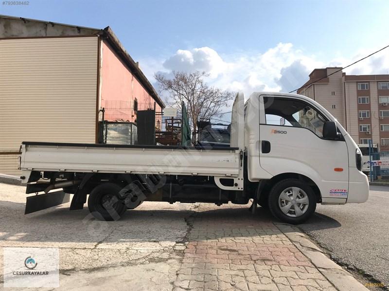 Galeriden Kia Bongo K2500 Dlx 2016 Model İstanbul 86.000 Km Beyaz