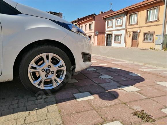 Sahibinden Ford Fiesta 1.25 Trend X 2015 Model
