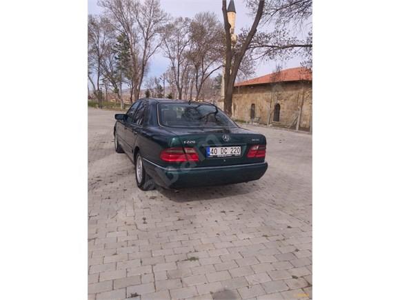 galeriden mercedes - benz e 200 d 1996 model kırşehir 402.000 km yeşil metalik
