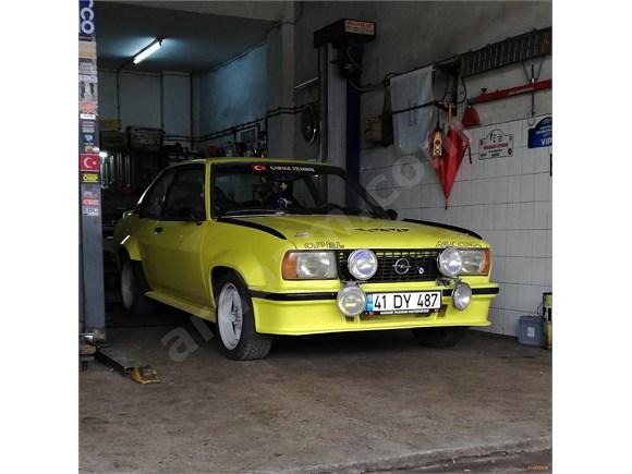 Opel Ascona B400 replika
