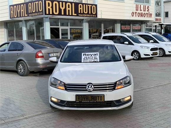 Royal Auto'dan Volkswagen Passat 2.0 TDi BlueMotion Comfortline 2014 DSG Boyasız Hasar Kayıtsız