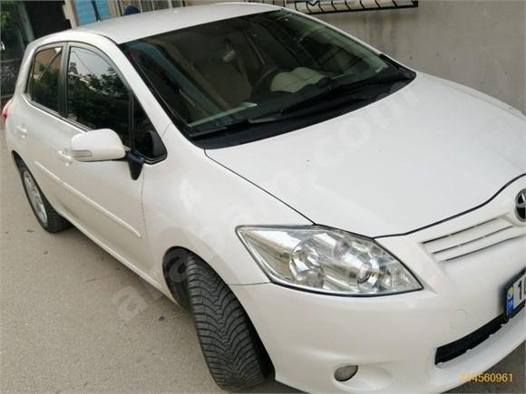 Sahibinden Toyota Auris 1.4 D-4D Comfort Extra 2012 Model