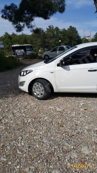 Sahibinden Hyundai I20 1.4 Crdi Jump 2014 Model Antalya 90.200 Km Beyaz