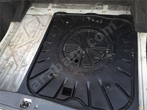 galeriden mercedes - benz e 200 d 1995 model muğla 367.000 km bej