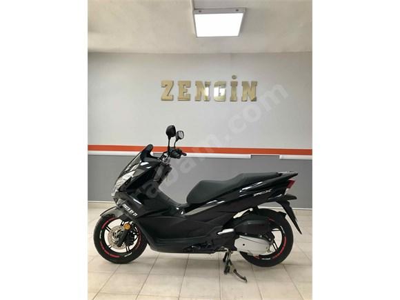 9.600 km Honda PCX 125