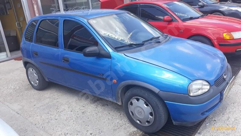 Galeriden Opel Corsa 1.4 Gls 1999 Model Yozgat 255.000 Km Mavi
