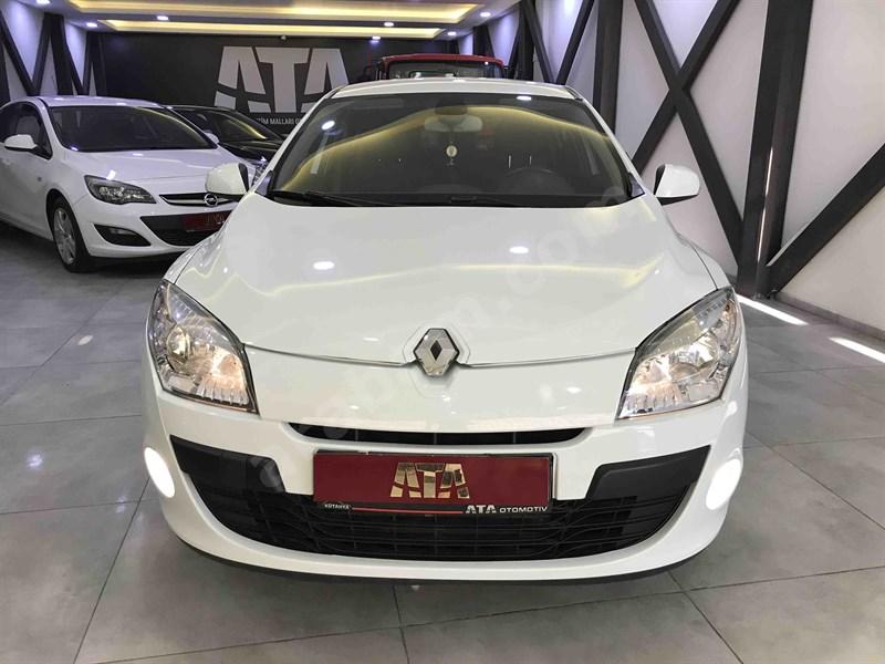 Galeriden Renault Megane 1.5 Dci Dynamique 2012 Model Kütahya 148.500 Km Beyaz