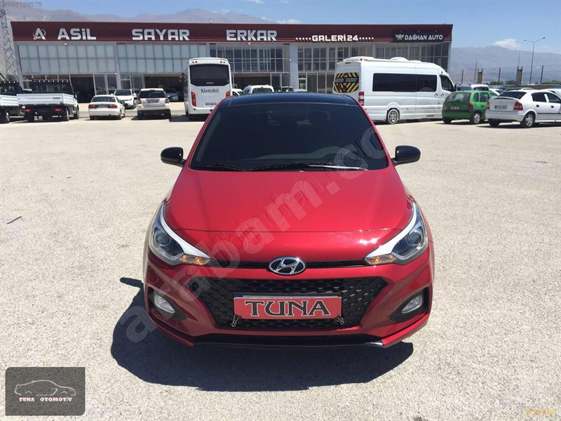 Galeriden Hyundai I20 1.2 Mpi Style 2019 Model Erzincan 12.000 Km Bordo
