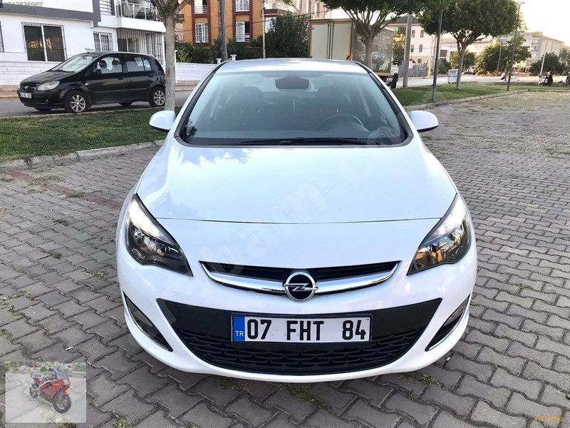 Galeriden Opel Astra 1.3 Cdti Sport 2012 Model Aydın 180.000 Km Beyaz