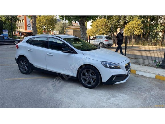 Sahibinden Volvo V40 Cross Country 1 6 D Premium 2014 Model Istanbul 42 500 Km Beyaz 15174118 Arabam Com