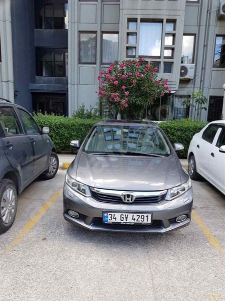 Sahibinden Honda Civic 1.6 I-vtec Elegance 2014 Model İstanbul 76.500 Km Füme