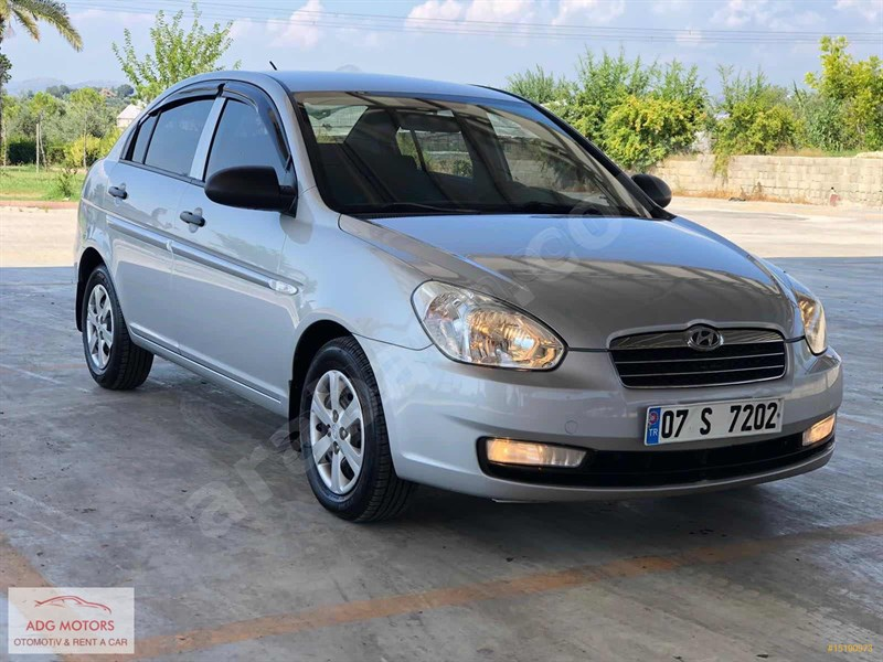 Galeriden Hyundai Accent Era 1.5 Crdi-vgt Team 2009 Model Antalya 192.000 Km Gri