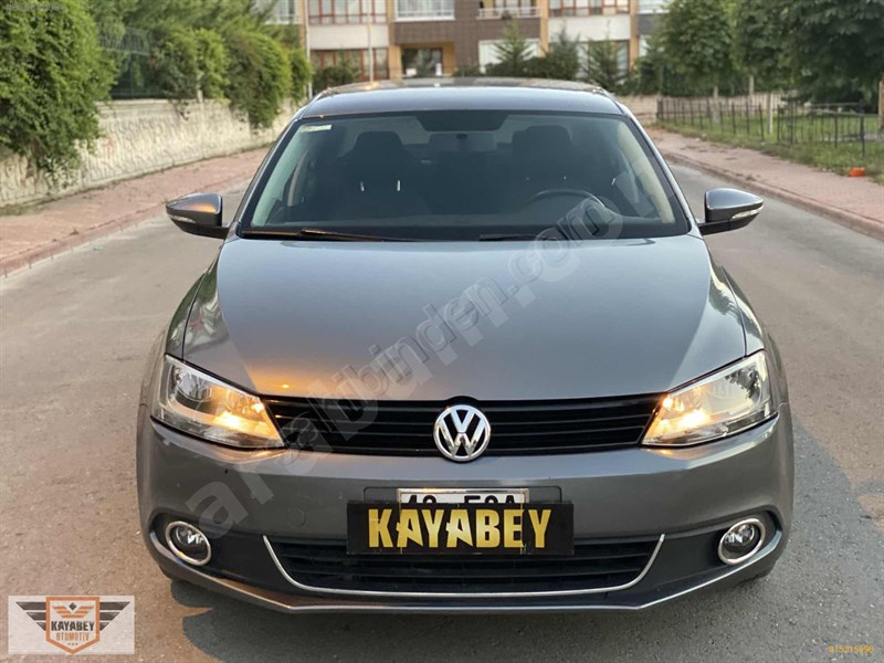 Galeriden Volkswagen Jetta 1.6 Tdi Trendline 2013 Model Konya 130.000 Km Gri