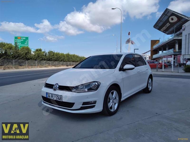 Galeriden Volkswagen Golf 1.6 Tdi Bluemotion Comfortline 2016 Model İstanbul 127.000 Km Beyaz