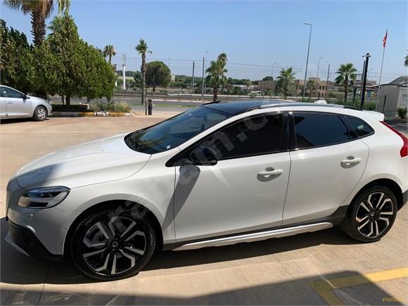 Sahibinden Volvo V40 Cross Country 1 5 T3 Advance 2018 Model Antalya 23 000 Km Beyaz 15372344 Arabam Com