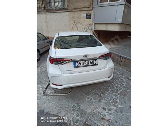 sahibinden toyota corolla 1.6 vision 2020 model İzmir 1