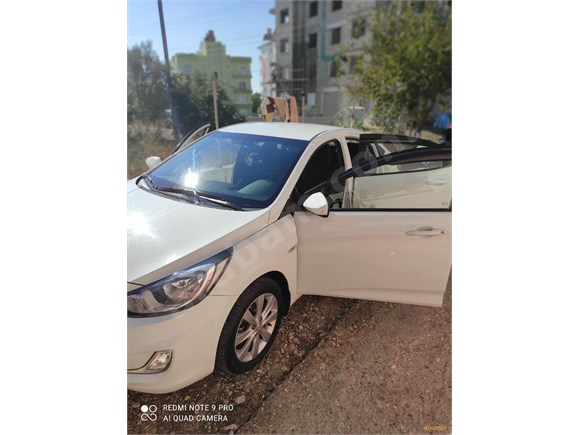 Sahibinden Hyundai Accent Blue 1.4 CVVT Mode Plus 2013 Model