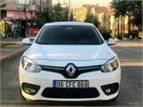 Renault Fluence 1.5 dCi Touch 2015 Model Dizel Otomatik Full Yetkili Servis Bakımlıdır.