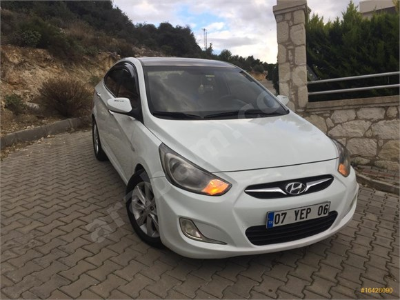 Sahibinden Hyundai Accent Blue 1.4 CVVT Mode Plus 2012 Model