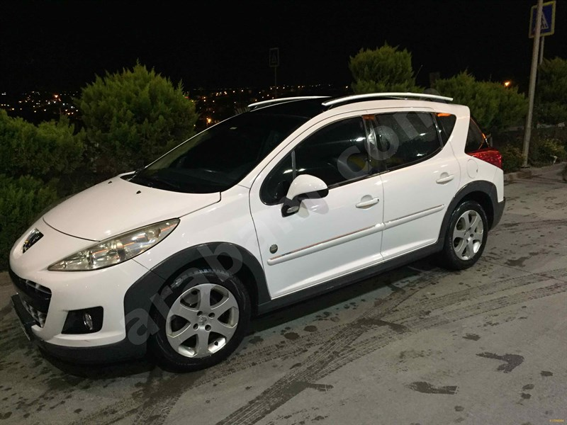 Sahibinden Peugeot 207 1.6 Vti Outdoor 2011 Model İstanbul 133.000 Km Beyaz
