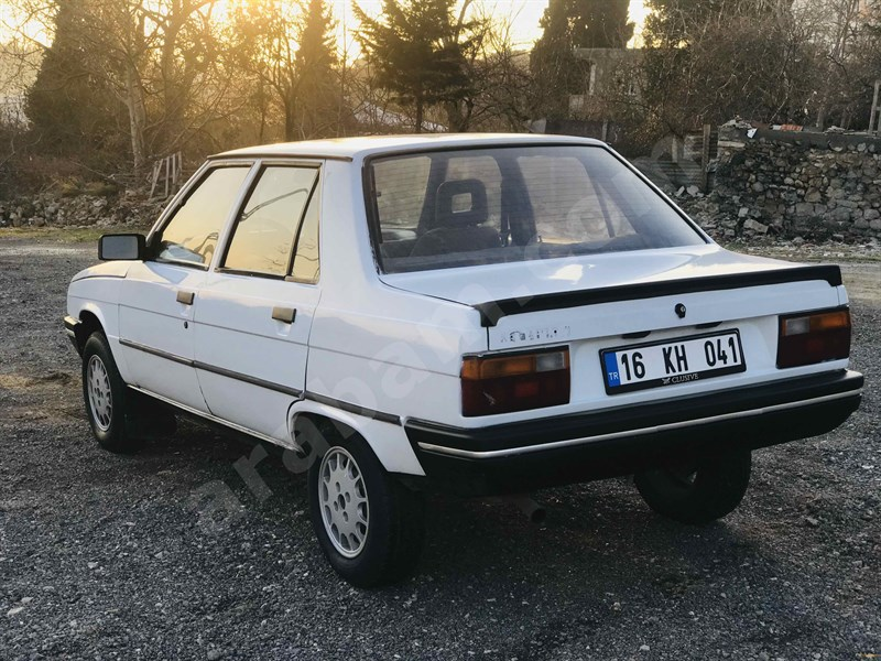 Sahibinden Renault R 9 1.4 Spring 1996 Model İstanbul 220.000 Km -
