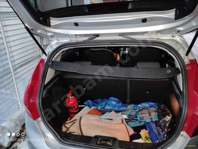 Sahibinden Ford Fiesta 1.4 Titanium 2012 Model İstanbul 60.000 Km Gri (titanyum)
