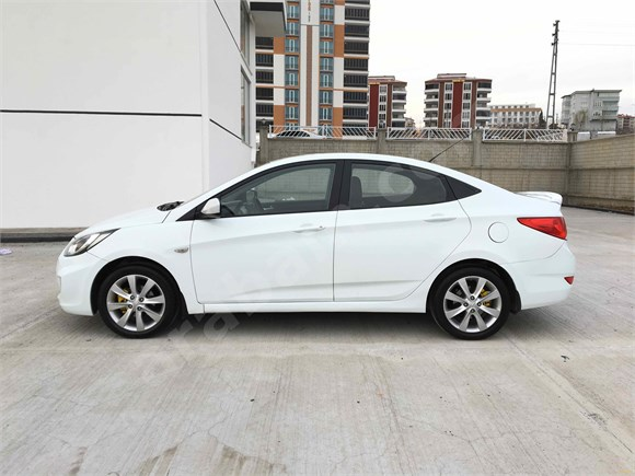 Sahibinden Hyundai Accent Blue 1.4 CVVT Mode Plus 2012 Model 6 ileri vites
