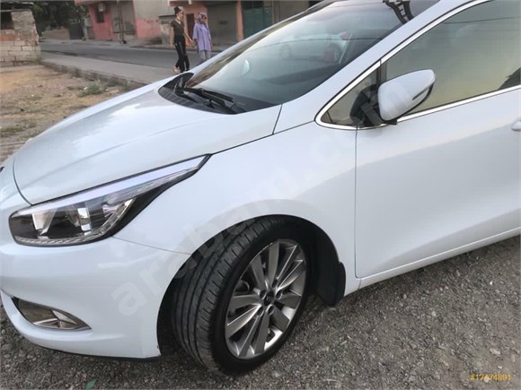 Sahibinden Kia Ceed 1.6 CRDi Concept Plus SW 2014 Model